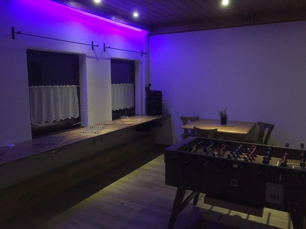 LED Beleuchtung und Buffet-Bereich